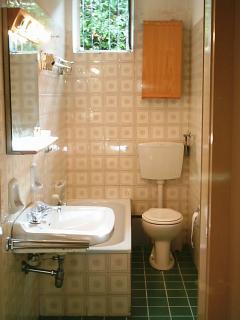 bagno (é stata aggiunta anche la tenda della doccia)