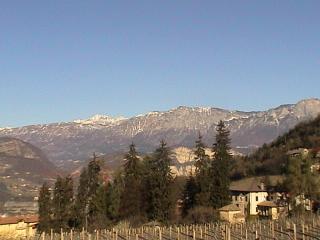 Vista panoramica sul monte Gaggia, dietro il Gruppo Adamello - Brenta