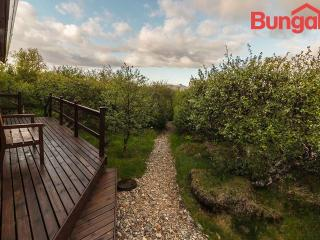 Charming Summerhouse Near Husafell, Hraunfossar