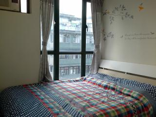 Splendid Queen bed apt,  Fit 9 ppls, near MTR, Hong Kong