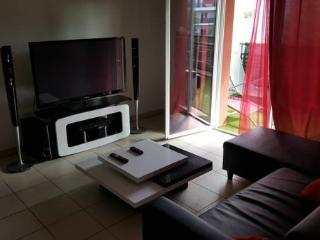 *** Cosy Apartment ***, Ambes