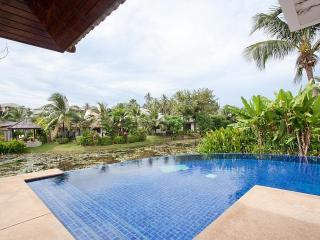 Surin Beach Villa - 4 BR Holiday Home With Pool, Bang Tao Beach