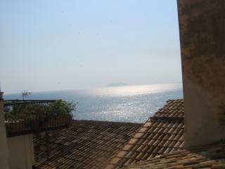 La Piazzetta e il Mare, Sperlonga