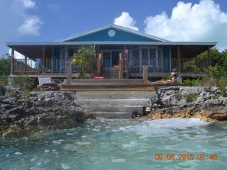 Detached sea front property 4 bed 3 bath, George Town