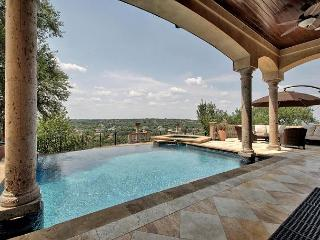 6BR/5BA Architecturally Stunning Home with Theater, Infinity Pool, Sleeps 12, Buffalo Gap