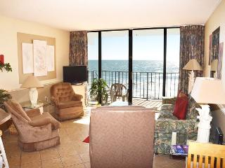 BEAUTIFUL 2 BEDROOM CONDO RIGHT ON THE BEACH, Garden City Beach