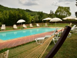 Tuscan House in Chianti with private park and pool, Sambuca