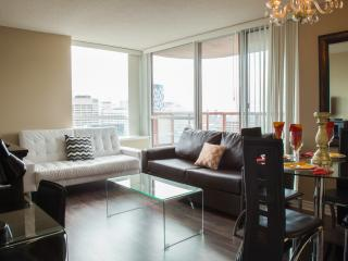 Canada Suites Toronto Furnished Apartments on Bay