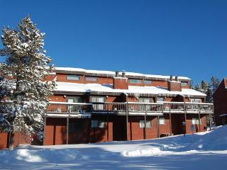 Meadow Ridge Court 28 Unit 4, Fraser