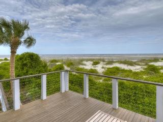 Hideaway Cottage Oceanfront East Beach, Saint Simons Island
