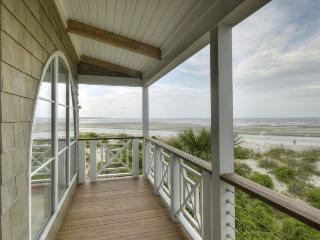 Hideaway Cottage Oceanfront East Beach