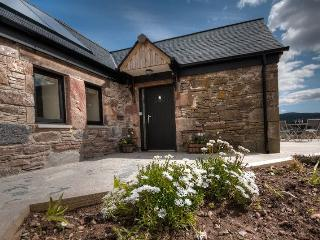 Clava Cottage - Recently renovated luxurious cottage, Inverness