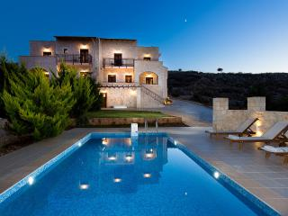 Villa Aeolos with private swimming pool and sea view to the Cretan Sea