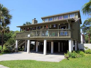1213 Butler Avenue - Just One Block to the Beach - Easy Wlking Distance to `Downtown` Tybee, Tybee Island