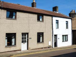 YORK COTTAGE, pet-friendly, enclsoed garden, WiFi, in Wooler, Ref. 925098