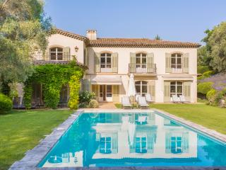 6 bedroom Villa in Mougins, Provence-Alpes-Côte d'Azur, France : ref 5049509