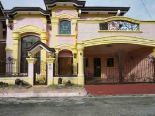 spacious house, Las Pinas