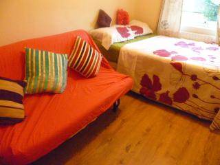 LONDON SMART STUDIO, SLEEPS 2-4.
