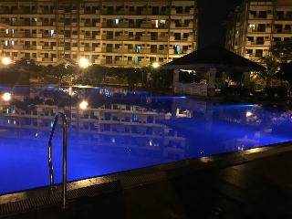 2br Condo Unit -Arista Place near NAIA,MOA,Solaire, Paranaque