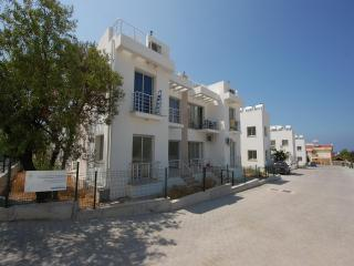 Flat for rent in Alsancak, Kyrenia, North Cyprus, Alsancak - Karavas