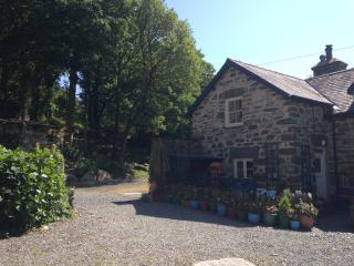 Gardeners Cottage - A Traditional Stone Cottage on a 70 Acre Woodland Estate