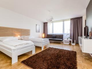 Holiday Apartment Cologne Nippes/Niehl G45, Colonia