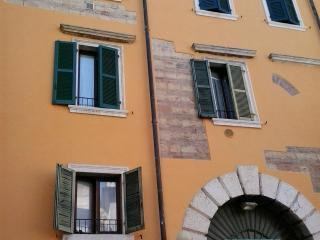 Romantico appartamento nel vero centro storico, Verona