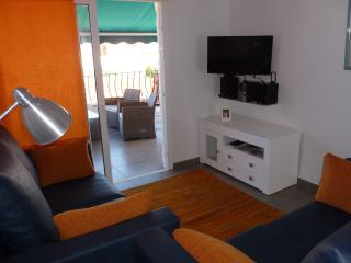 Luxurious Two Bedroom Air-conditioned Apartment, Costa Adeje