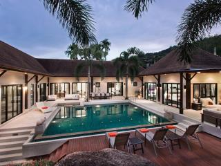 Luxury 8 bedrooms villa, Nai Harn