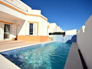 Villa Gale - private pool and 600 meters from the beach