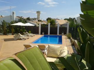 Villa 81, cozy on Oura beach, Albufeira
