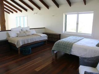 Byron Boutique Barn - 1 Bedroom House, Byron Bay