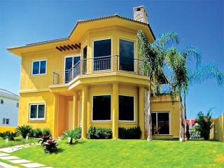 Luxuosa casa na praia Mole