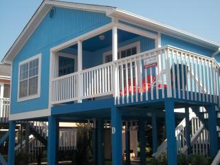 "Cozy ""Blue Bell"" Cottage. Relax and Unwind!!, Garden City Beach"