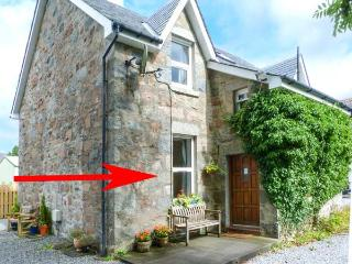 THE KNOWE LOWER, all ground floor, gas fire, off road parking, shared garden