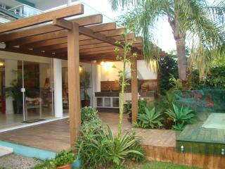 Casa com deck p barcos frente mar e lagoa, Barra da Lagoa