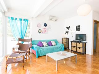 Spacious Apartment 3 Minutes From Makarska