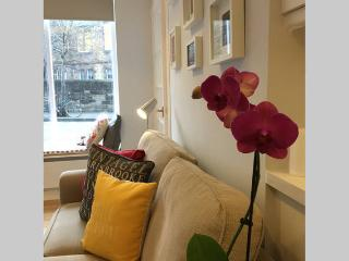 Top Rated, Bright & Warm Studio Flat @ City Centre, Edinburgh