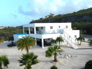 Villa Curacao 300 meter van strand, Sint Willibrordus
