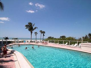 Luxury Villa, Sleeps 6 Comfortably Located on Siesta Key Beach, Sarasota Florida
