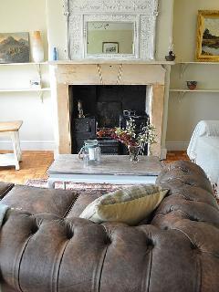 Slad cottage rental - living room
