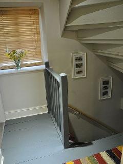 Slad cottage rental - 1st floor landing