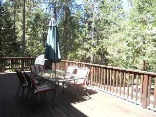 This Grizzly's Den  is no den ! Beautiful home with 4 Bedrooms & Loft, 3 bath