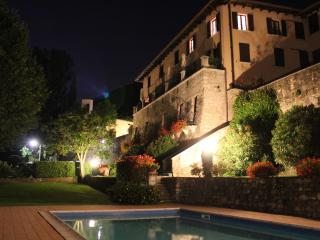 2 Bed Salò Holiday Apartment with shared pool