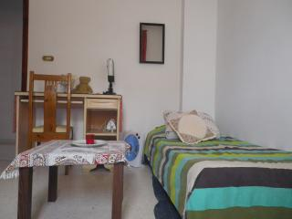 cosy confortable room for girls/women in Tunis