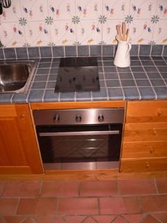 Particolare della cucina-soggiorno nell'Appartamento nel Casale