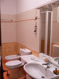 Uno dei 2 bagni dell'Appartamento nel Casale.