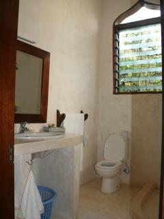 Bathroom to the Second Bedroom