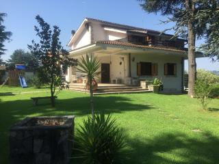 Lovely Villa Near Rome, Salt-Water Pool, Campagnano di Roma