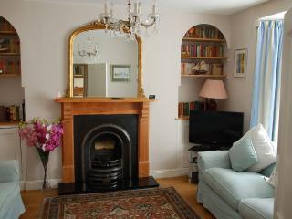 Delightful & Luxurious Town house in Tenby
